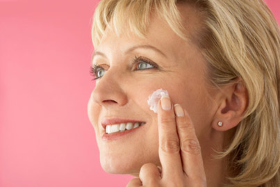 7 Effective Tips on How to Look Beautiful in Your 50's